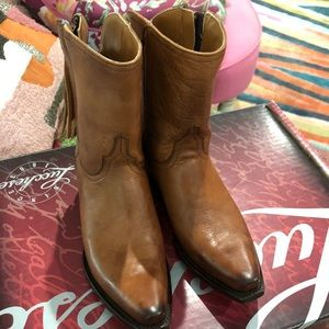 Lucchese Tan Short Booties